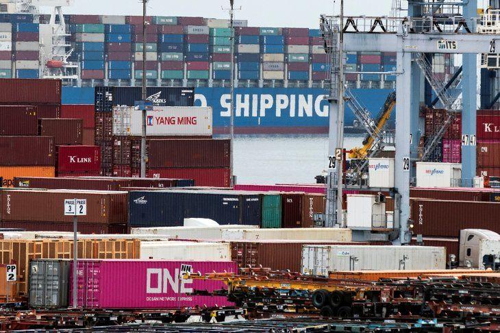 El FMI alerta de que mayores barreras comerciales alterarían las cadenas de suministro global y ralentizarían la expansión de las nuevas tecnologías
