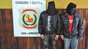 Detenidos. Marco Benítez Armoa  y Roque Javier Vera fueron detenidos por los policías.
