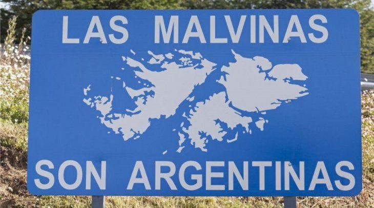 Argentina e Inglaterra se disputan la soberanía sobre las Malvinas.