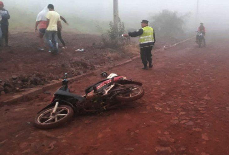 Las tres víctimas del atentado viajaban a bordo de esta motocicleta cuando fueron atacados por sicarios en Pedro Juan Caballero el pasado 1 de junio.