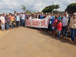 Pobladores y productores de Capiibary cerraron la ruta 10 de forma indefinida.