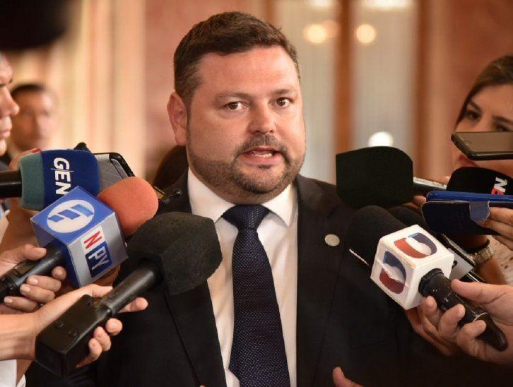 El procurador Sergio Coscia criticó a Uruguay por otorgarles el estatus de refugiados a Juan Arrom