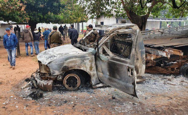 Violento. Los atacantes prendieron fuego a todo y asesinaron a tres personas en la estancia.