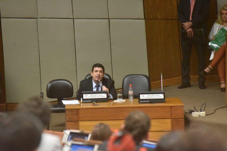 Hugo Velázquez se presenta ante comisión en la Cámara de Diputados.