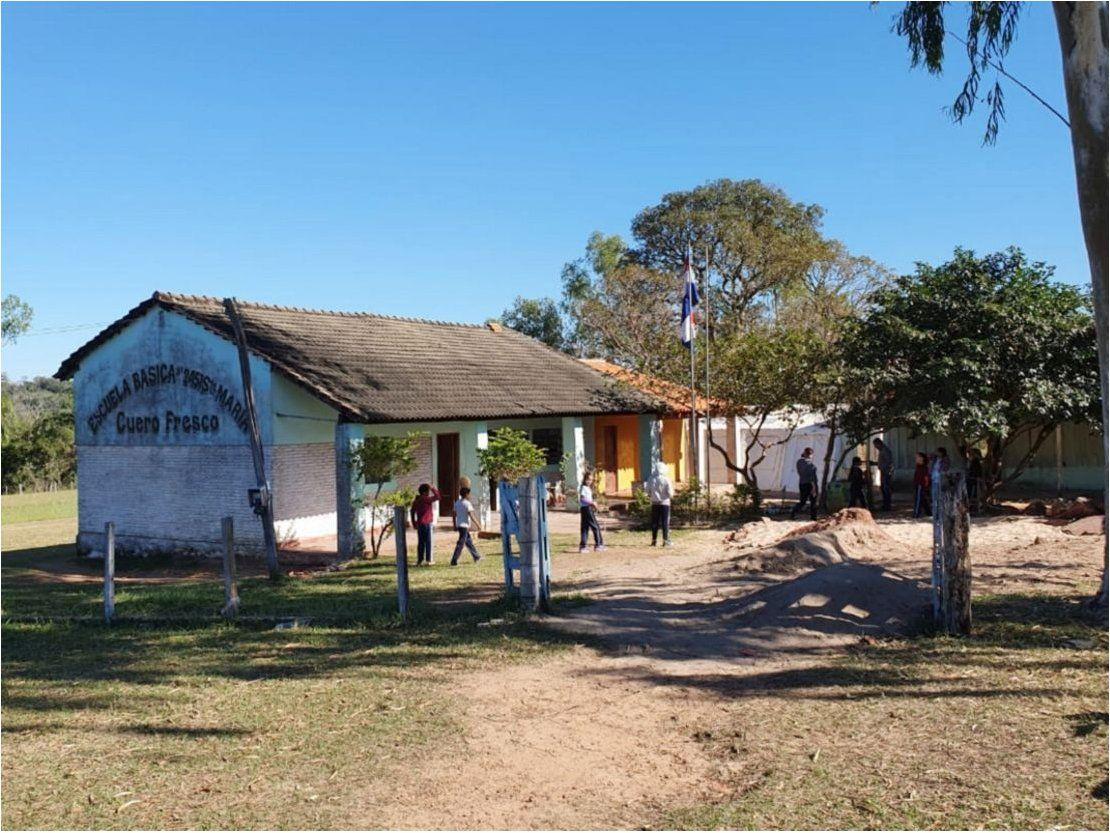 Resultado de imagen para Escuela de Arroyito no tiene aulas, agua potable ni almuerzo escolar