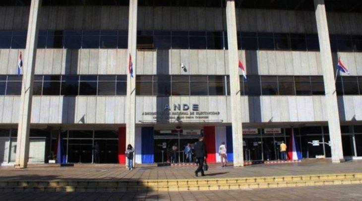 Fachada del edificio central de la ANDE. | Foto: ANDE/Facebook.