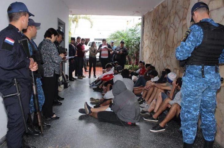 Hinchas de Cerro y Olimpia fueron imputados porperturbación a la paz pública
