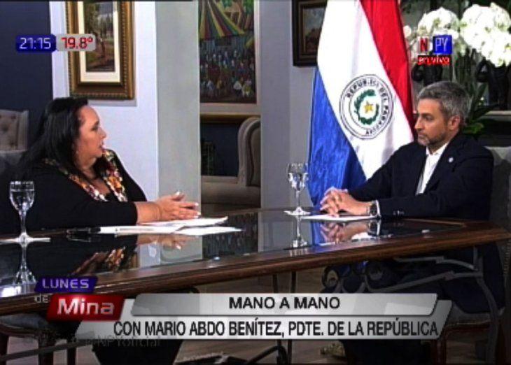 Mano a mano. El presidente brindó anoche una entrevista al programa Lunes de Mina.