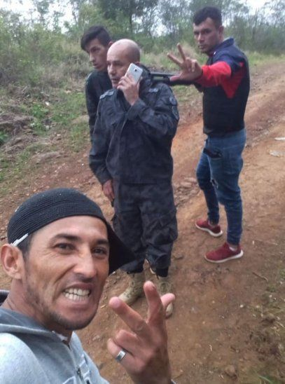 Durante el intento de fuga los reclusos divulgaron una fotografía de la toma de rehén.