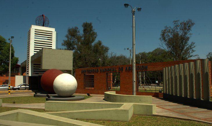 Fachada del Campus de la Universidad Nacional de Asunción