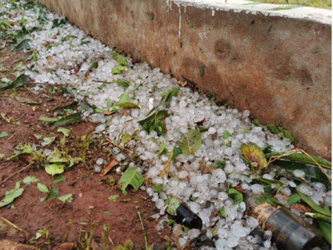 Granizada dañó varias casas en Presidente Franco   Meteorología, Presidente Franco, Alto Paraná - ÚltimaHora.com