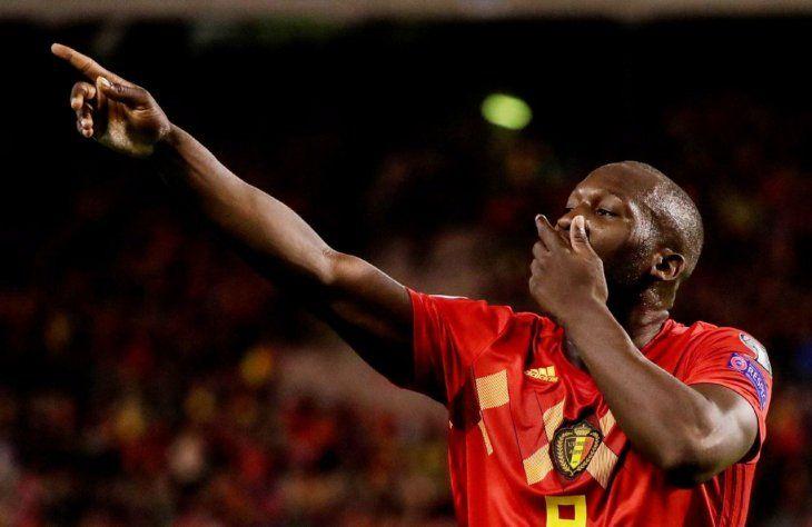 Histórico. Romelu Lukaku marcó dos goles y llegó a los 51 tantos con la selección belga.