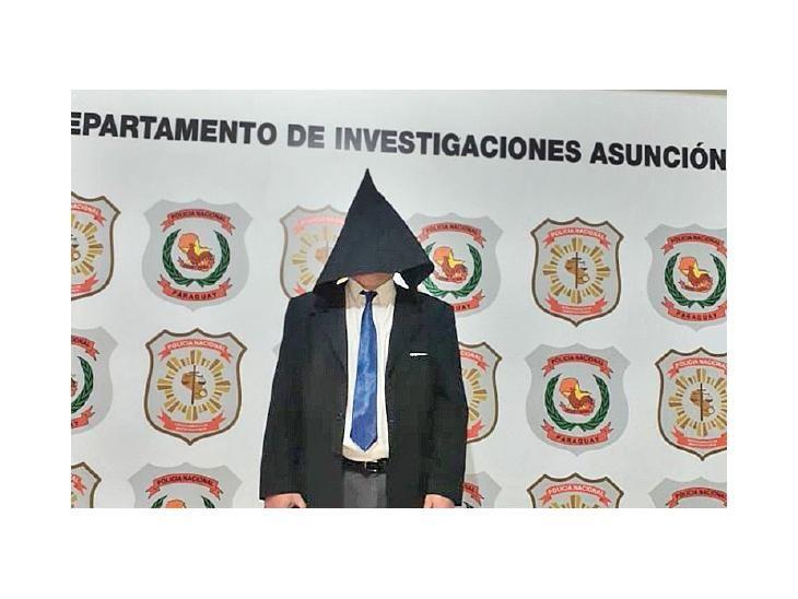 Capturado. Rogelio Rojas en la sede de Investigaciones.
