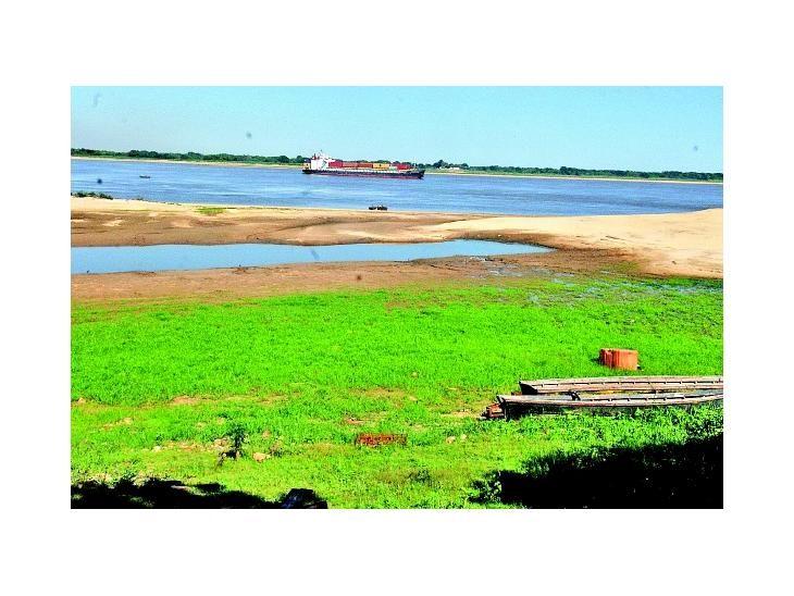 En alerta. El río Paraguay no para de bajar y ya muestra los bancos de arena en Pilar.