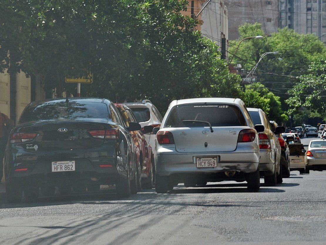 Caos reina en Asunción por falta de espacios para estacionar - ÚltimaHora.com