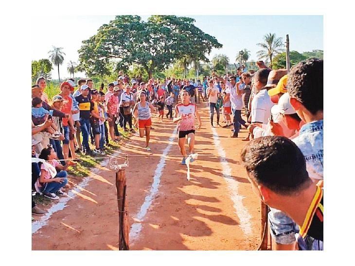 Carrera. Sisinia Cheli Valiente de San Blas fue la ganadora.