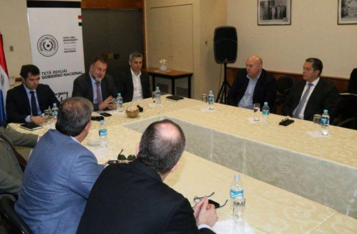Ajustes. Representantes de Hacienda y ex autoridades dialogaron sobre la Ley Fiscal.