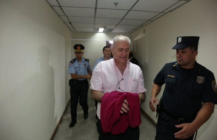 Preso.  El ex dirigente deportivo Ramón González Daher llegando al Poder Judicial.