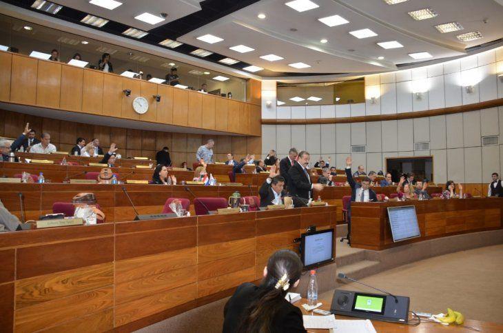 Los senadores se ratificaron por unanimidad en la versión aprobada por la Cámara Baja.