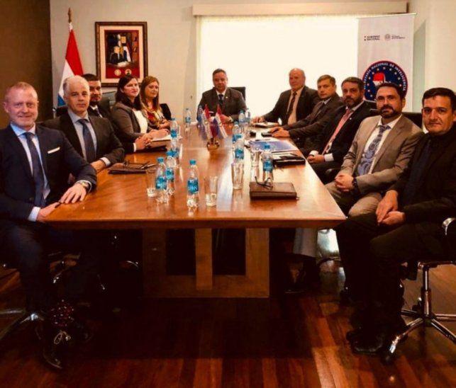 Convenio. El martes se reunieron jefes regionales y de los Estados Unidos a fin de crear una mesa de trabajo en torno a esquemas de corrupción y lavado.