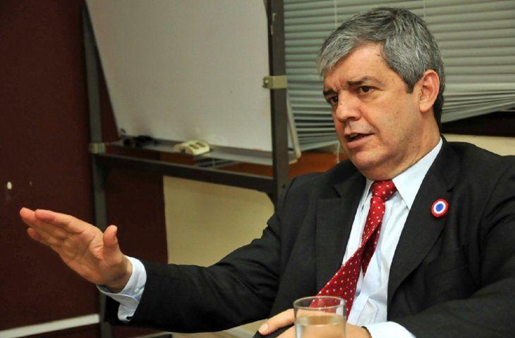 El senador Enrique Riera decidió alejarse del Movimiento Honor Colorado (HC).