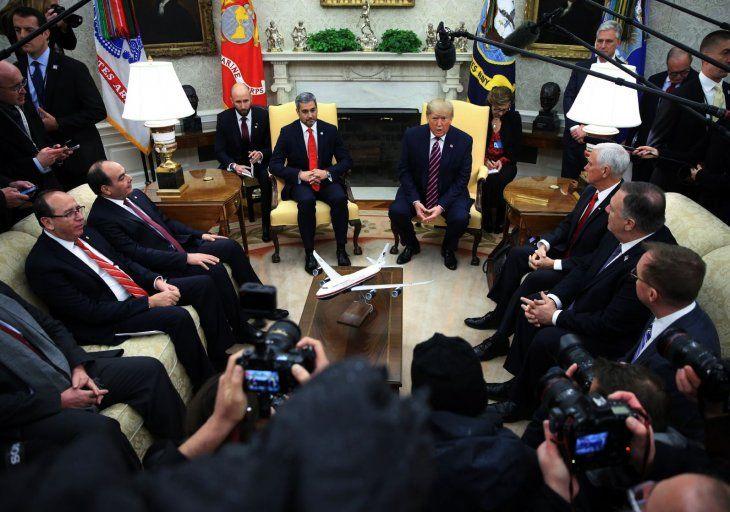 Cumbre. Mario Abdo y Trump en el centro  de la Casa Blanca donde abordaron temas de seguridad y apoyo comercial.