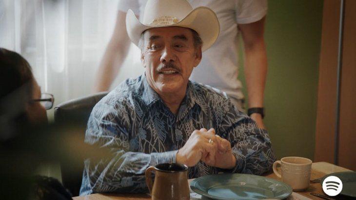 Pedro Rivera, padre de Jenni Rivera estrena reggaetón ranchero llamado El tra