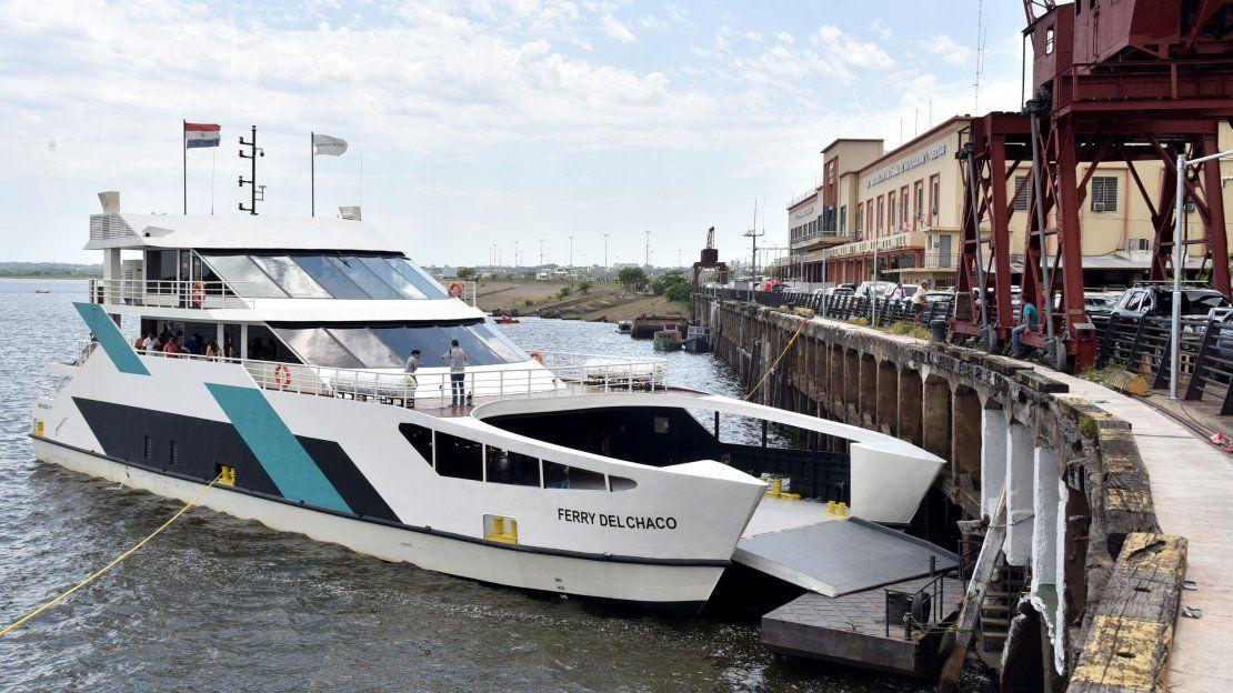 El Ferry del Chaco realizó su primer viaje