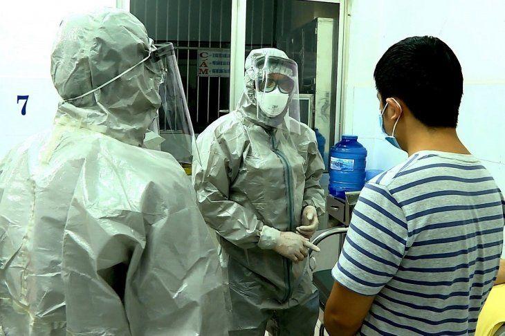 Los síntomas del nuevo coronavirus son en muchos casos parecidos a los de un resfriado.
