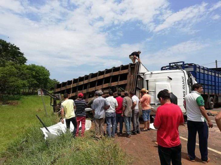 Varias personas fallecieron en el accidente en San Pedro.