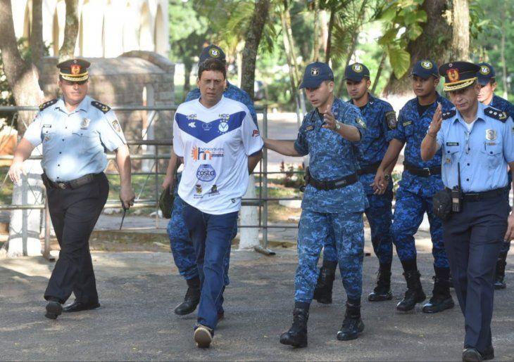 Édgar Américo Chilavert fue trasladado bajo fuerte dispositivo policial hasta la sede del juicio oral.