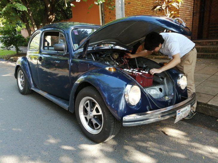 <p>Santiago dijo que se siente muy orgulloso de haber trabajado por el antiguo automóvil.</p>