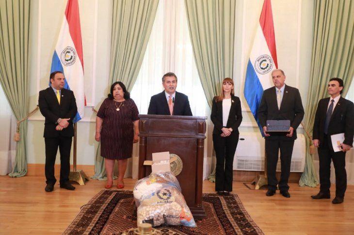 El anuncio de la entrega de kits de alimentos a los trabajadores fue realizado en una conferencia de prensa en la tarde de este miércoles en el Palacio de Gobierno.