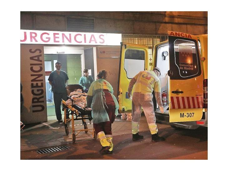 Saturado. Los servicios sanitarios españoles están al límite debido a la expansión del virus.