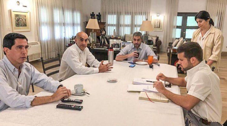 El presidente de la República se reunió con el ministro de Salud y su equipo de emergencia este sábado.