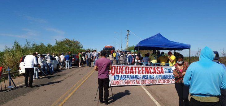 El cierre en el acceso a la ciudad de Concepción.