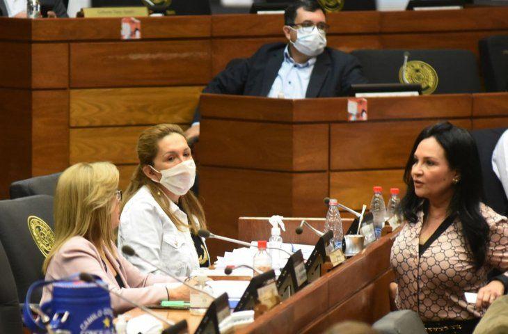 Con un pie afuera. María Eugenia Bajac puso en riesgo a sus colegas y funcionarios.