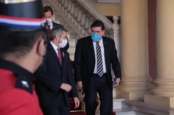Una Cumbre de Poderes se realizó en el Palacio de López para evaluar las medidas contra el Covid-19.