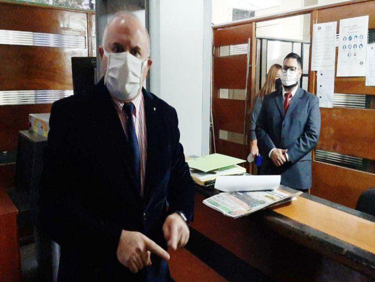 Denuncia. El abogado Federico Campos López Moreira presentó la denuncia contra el fiscal adjunto Humberto Rosetti.
