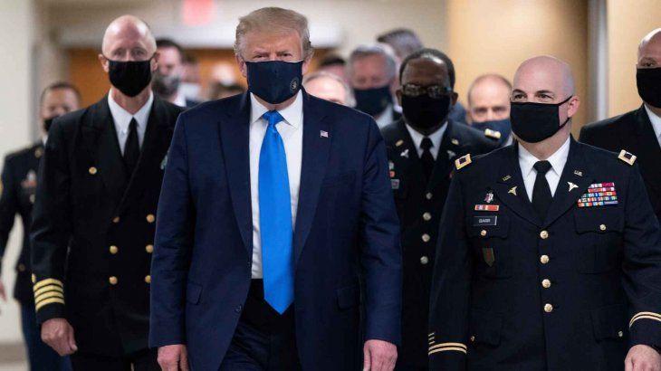 Trump se ha negado a delinear una estrategia nacional para hacer frente al virus y ha recibido numerosas críticas