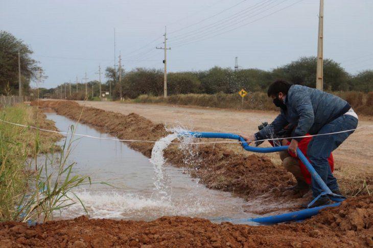 Más de 80.000 pobladores podrán acceder al servicio de agua potable en Loma Plata.