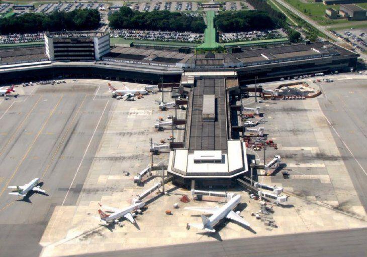 El aeropuerto de Guarulhos es uno de los habilitados para poder ingresar al Brasil.