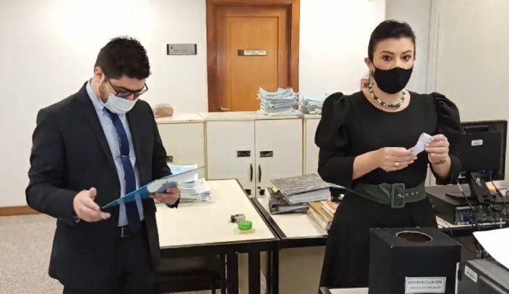 La Corte decidió suspender a la magistrada Mirta Estela Sánchez Martínez y al actuario judicial Bernardo Mongelós.