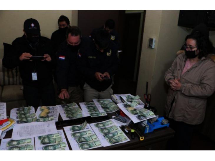 Pruebas. Los billetes utilizados para atrapar a los supuestos extorsionadores.