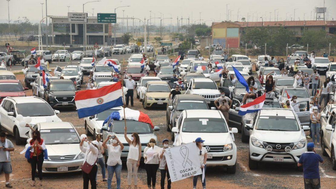 Caravana por la liberación de Óscar Denis y Adelio Mendoza