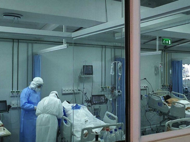 Clamor. Desde hospitales piden a la ciudadanía cuidarse para evitar más muertes.