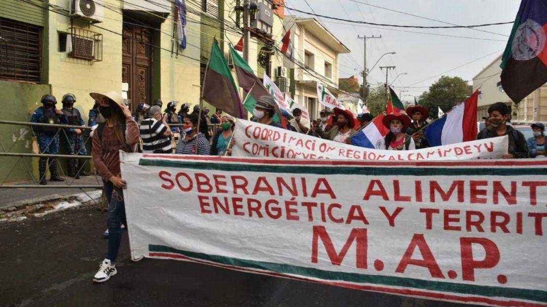 Marcha campesina para exigir condonación de deudas