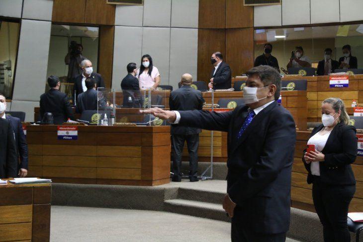El juramento se realizó en la sesión ordinaria de la Cámara de Diputados este miércoles.