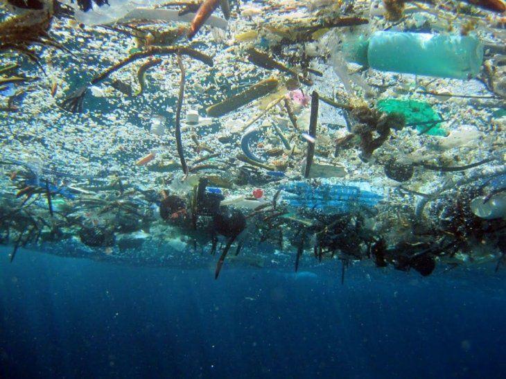 Cada año se vierten al Mediterráneo 229.000 toneladas de plástico | Cambio  Climático, Contaminación
