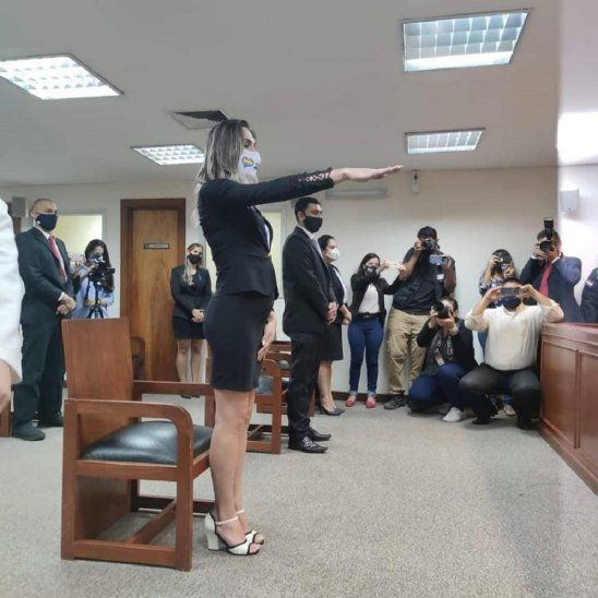 Kimberly Ayala prestó juramento como abogada ante la Corte.